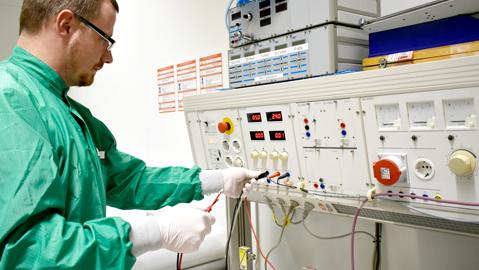 QUIP TDL Inbetriebnahme: Sicherer Ersteinsatz von Maschinen und Anlagen
